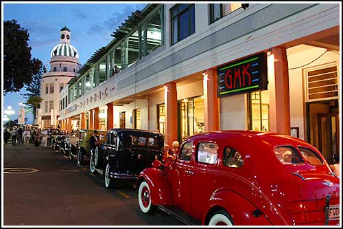 Enjoy informative, enteraining Art Deco Tours with Hawkes Bay Scenic Tours